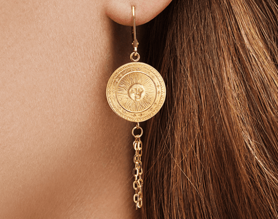 Kissed Awake earrings in gold
